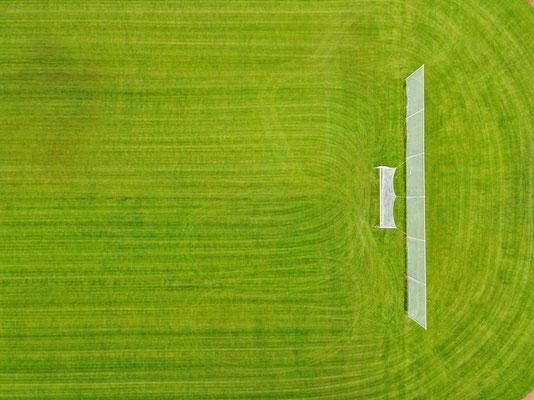 Vogelperspektive, Drohnenfoto, Drohnenbild, Luftaufnahme, Bayern, Fussballfeld