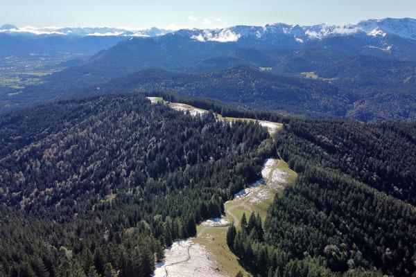 Vogelperspektive, Drohnenfoto, Drohnenbild, Luftaufnahme, Alpen, Winter, Schnee, Berge, Grat, Gipfelkreuz Zwiesel, Winterwanderung