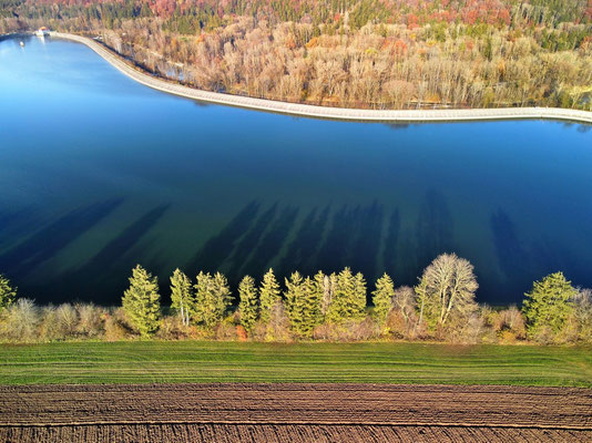 Drohnenfoto - Vogelperspektive - Drohne - Drohnenbild - Luftaufnahme - See - Stausee - Stauweiher - Leitzachwerk - Mangfall - Vagen