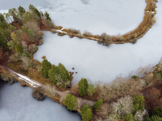 Drohnenfoto - Vogelperspektive - Drohne - Drohnenbild - Luftaufnahme - See - Deixlfurter See - Tutzing - Fünfseenland - Muster - Formationen - Winter