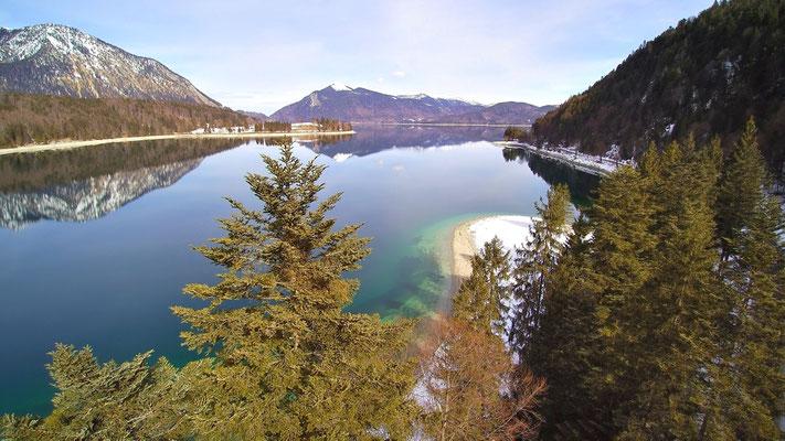 Drohnenfoto - Vogelperspektive - Drohne - Drohnenbild - Luftaufnahme - See - Walchensee - Spiegelung