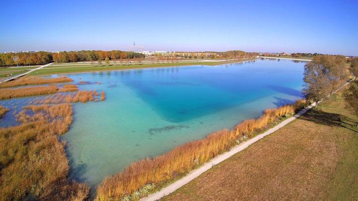 Drohnenfoto - Vogelperspektive - Drohne - Drohnenbild - Luftaufnahme - See - BuGa See - München - Messestadt - Riem