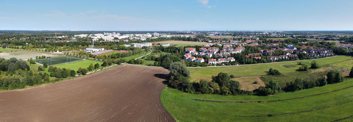 Panorama, Drohnenfotografie, München, Taufkirchen, Wiese, Landwirtschaft, Fußballplatz, Acker