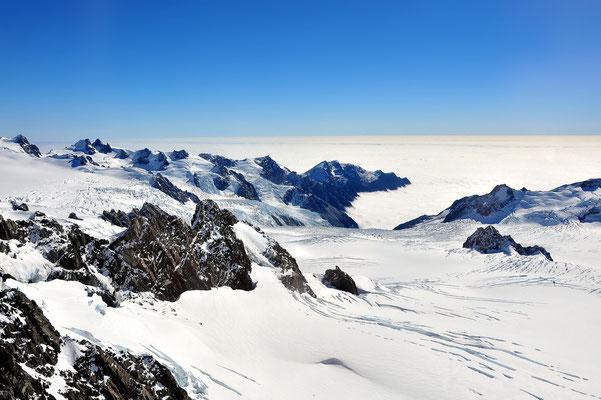 Vogelperspektive, Drohnenfoto, Drohnenbild, Luftaufnahme, Berge, Nebel, Schnee, Winter, Neuseeland, Mount Cook