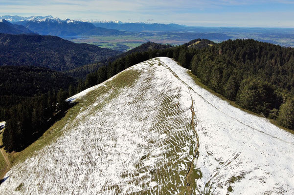 Vogelperspektive, Drohnenfoto, Drohnenbild, Luftaufnahme, Zwieselberg, Alpen, Winter, Schnee, Berge, Grat, Gipfelkreuz Zwiesel, Winterwanderung