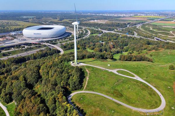 Drohnenfoto - Vogelperspektive - Drohne - Drohnenbild - Luftaufnahme - Autobahn - Weg - Windrad