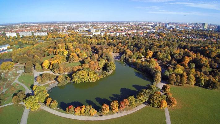 Drohnenfoto - Vogelperspektive - Drohne - Drohnenbild - Luftaufnahme - See - München - Westpark - Herbst
