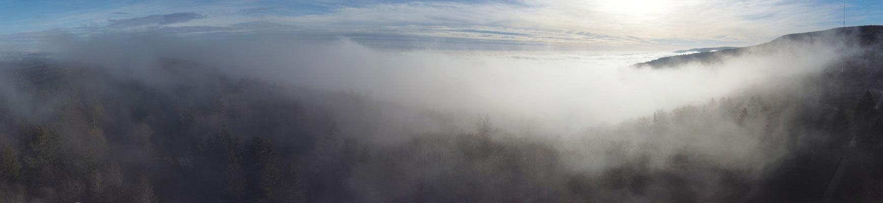 Panorama,Drohnenfoto,  Rhön, Nebel, Wolken, Sonne, Gegenlicht, Wald