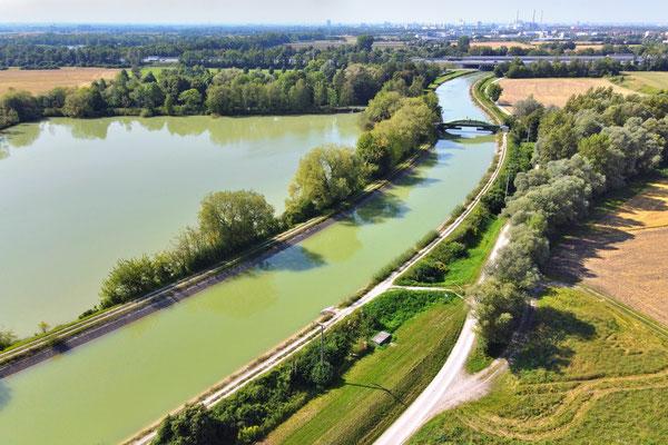 Drohnenfoto - Vogelperspektive - Drohne - Drohnenbild - Luftaufnahme - See - Stausee - Stauweiher - Isar Kanal - Ismaning