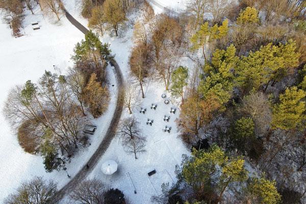 Vogelperspektive, Drohnenfoto, Drohnenbild, Luftaufnahme, Bayern, Park, Weg, Schwarz-Weiss, München, Ostpark