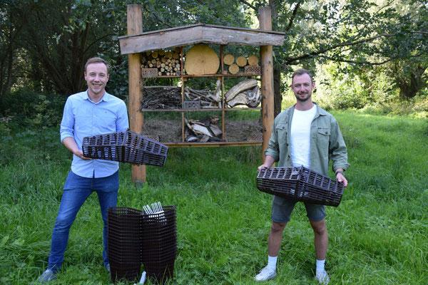 Marc Meyer und Maximilian Scholle an der Sauer in Lichtenau.