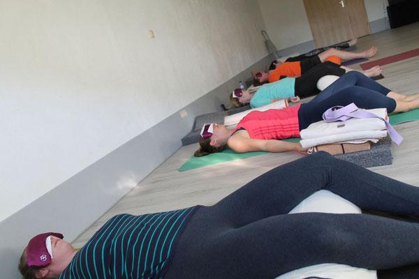 Impressionen aus meinen kursen sternenhimmel heusweiler for Raumgestaltung yoga