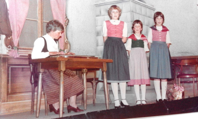 SHANA-Lichtpionier der Neue Zeit e.U./ singen - bei einer Muttertagsfeier