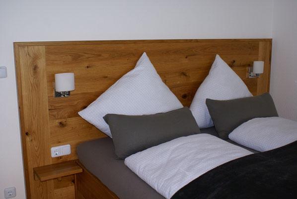 Doppelbett im Haus Valentin