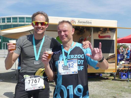 Torsten Breuer (links) und Klaus Pfefferl nach erfolgreichem Einsatz