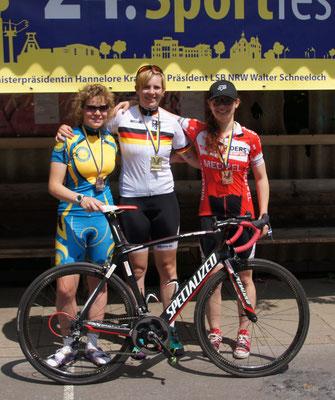 Siegerehrung Strassenrennen v.l. Bianca Metz, Isabelle-Sophie Boberg, Luise Jungnickel