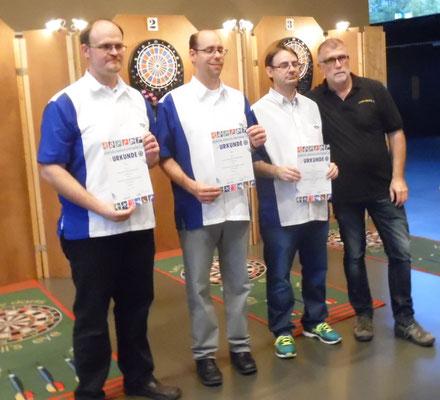 GSV Straubing v.l. Markus Hailerl, Axel Keil, Stefan Schneider u. BGS FW Roland Seßler