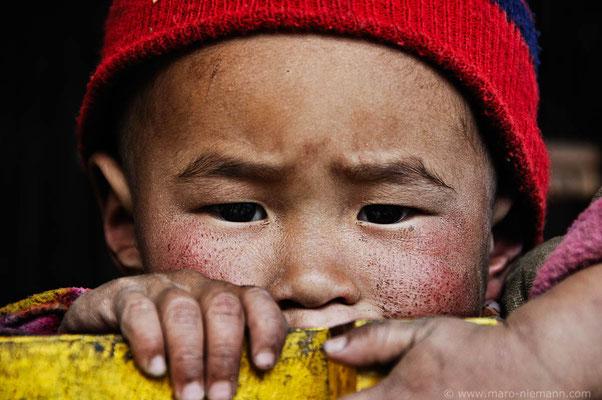 Boy - Makalu-Barun-Region - Nepal