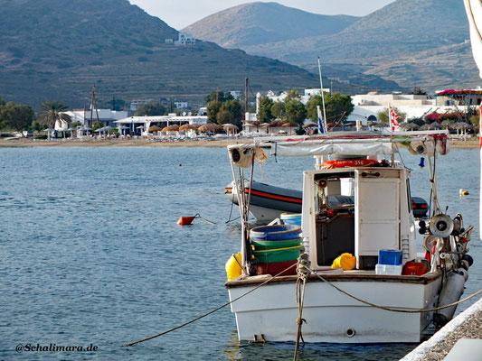 Fischerboot am Hafen Gialós