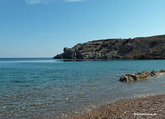 liegendem schönen Strand