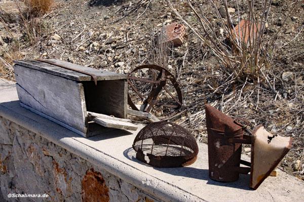 altes Imkerwerkzeug