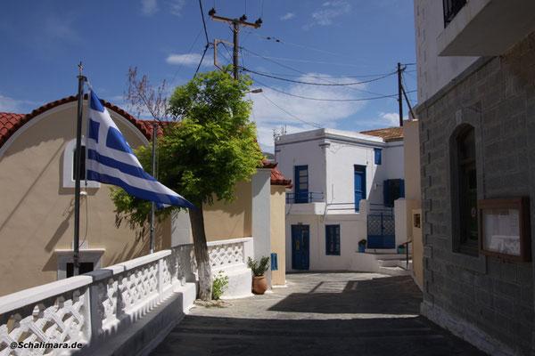 Die Dorfstraße von Piles
