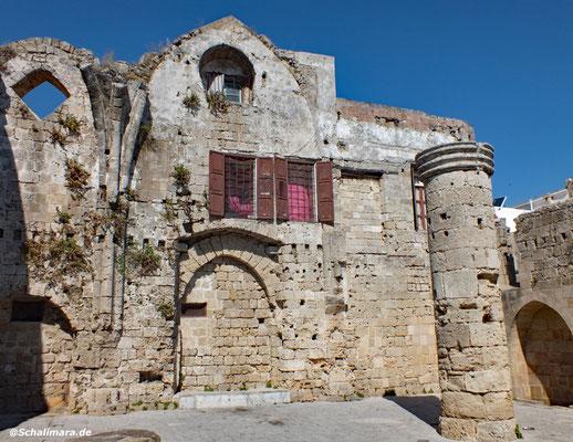 Ruine einer Kirche aus dem 14. Jh.