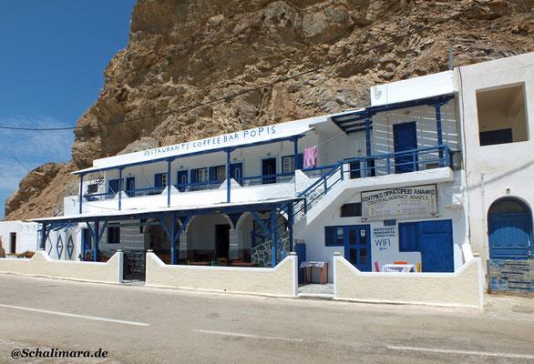 Eine neue Taverne am Hafen von Anafi