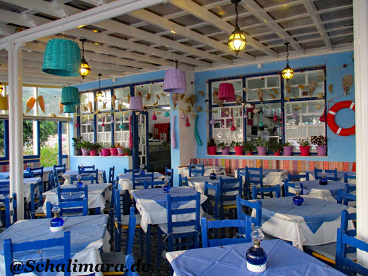 Die farbenfrohe  Taverne Yiannis