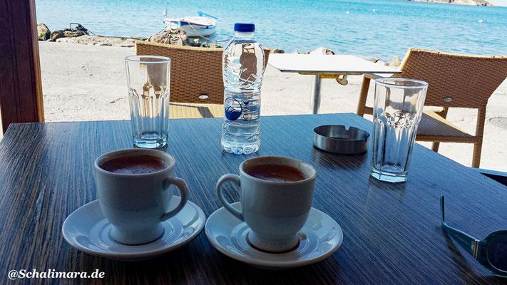 gr. Kaffee am Hafen