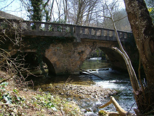 Le terrain du gîte de Montredon à Salles la source entre Rodez et Conques en Aveyron