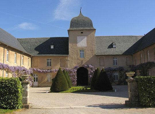 Le Haras de Rodez à 12 mn du gîte de Montredon à Salles la Source en Aveyron