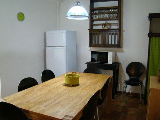 La cuisine du gîte de Montredon à Salles la Source entre Rodez et Conques en Aveyron