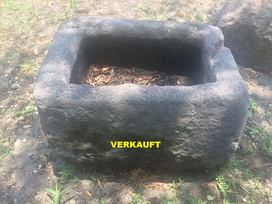No. 1 Länge/Breite/ Höhe in cm: 72/50/40 VERKAUFT
