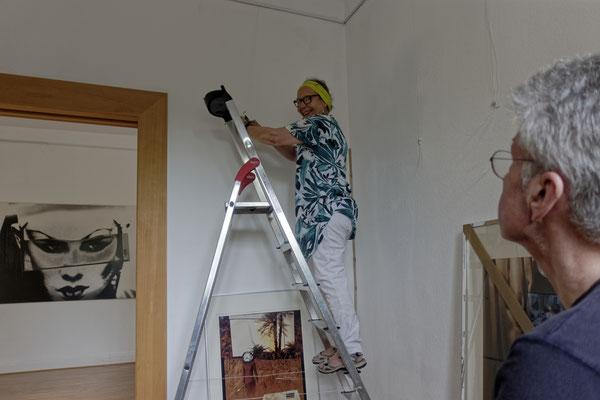 Aufbau der Ausstellung: Doro Hülder