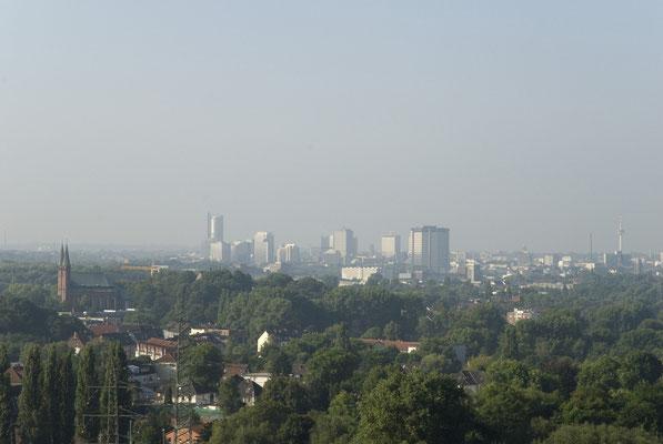 Die Innenstadt von Essen vom Fördergerüst gesehen, August 2008