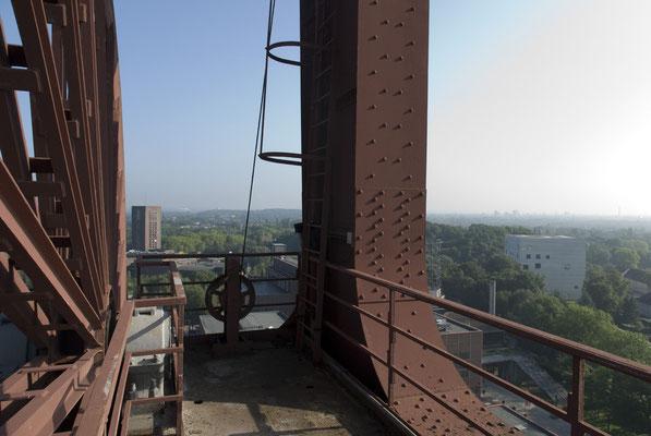 Blick vom Fördergerüst Schacht XII Zeche Zollverein, August 2008