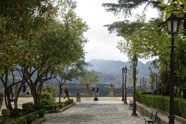 Kleiner Park mit Aussichtspunkt