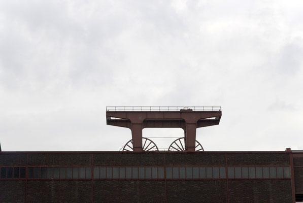 Fördergerüst hinter der Wipperhalle von der Fritz-Schupp-Allee gesehen, Juni 2009