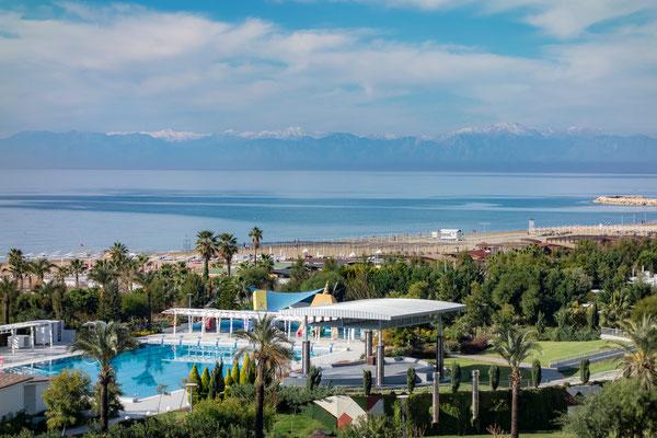 Blick vom Balkon unseres Hotels in Richtung Antalya
