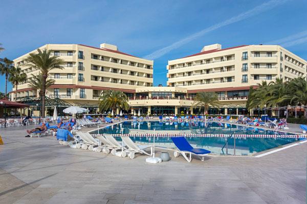 unser Hotel in Kumköy an der Südküste der Türkei  etwa 6 km von Side und 50 km von Antalya entfernt