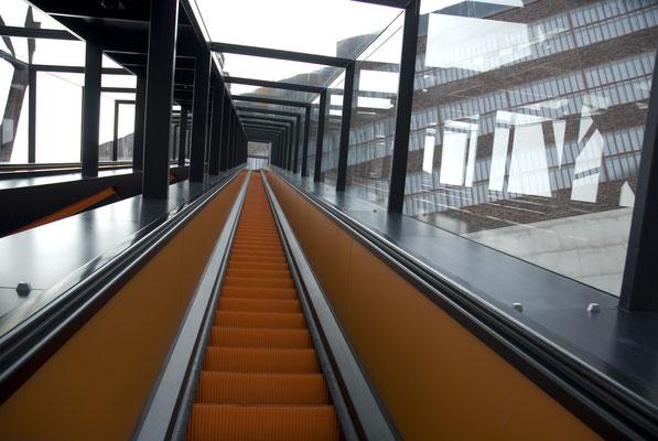 Die längste freischwebende Rolltreppe Europas, April 2007