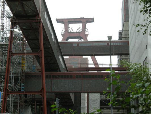 Das Fördergerüst  von der Fritz-Schupp-Allee gesehen, August 2008