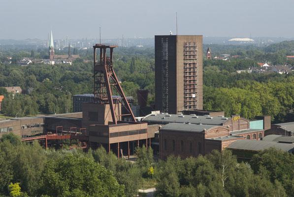 Blick auf Schacht 1/2/8 (Pact Zollverein)