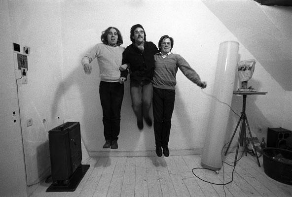Sprungfoto zu dritt 1984