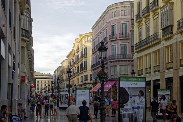 Einkaufstraße im Stadtzentrum