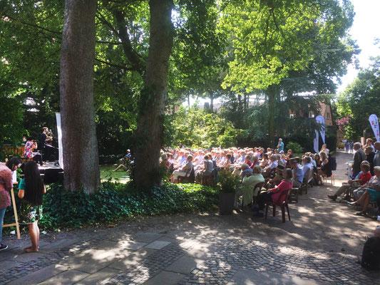 Trompetenbaum und Geigenfeige, Metelen, 8.7.2018, Foto: M. Sprickmann-Kerkerinck