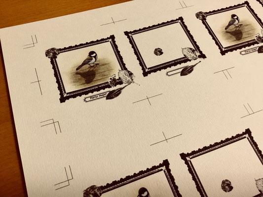 表紙は「パミス」という紙へ印刷しました。こちらは縦に凹凸があります。絵の下地みたいにならないかなあと思いました。