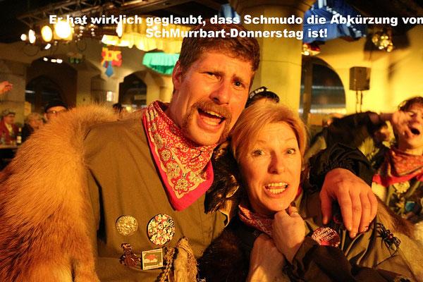 Er hat wirklich geglaubt, dass Schmudo die Abkürzung von SchMurrbart-Donnerstag ist