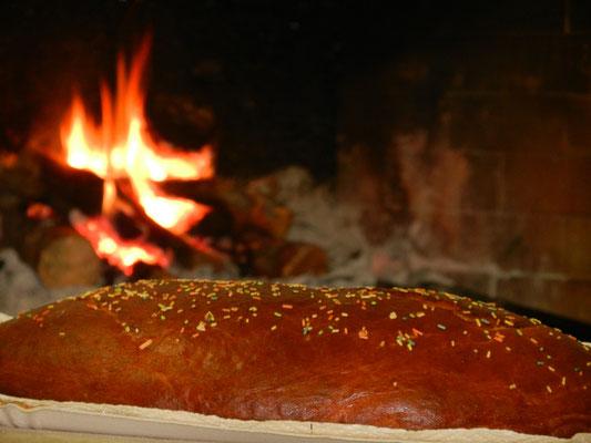 La pizza lievita, una esclusiva dell'Altopiano che si consuma nel tempo di Pasqua.